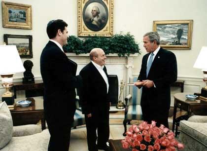 Billionaire Zionist Jew Sheldon Adelson buys Newt Gingrich ...
